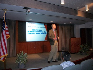 Dr. Jim Anderson Delivers Keynote Speech For IT Management Training Class